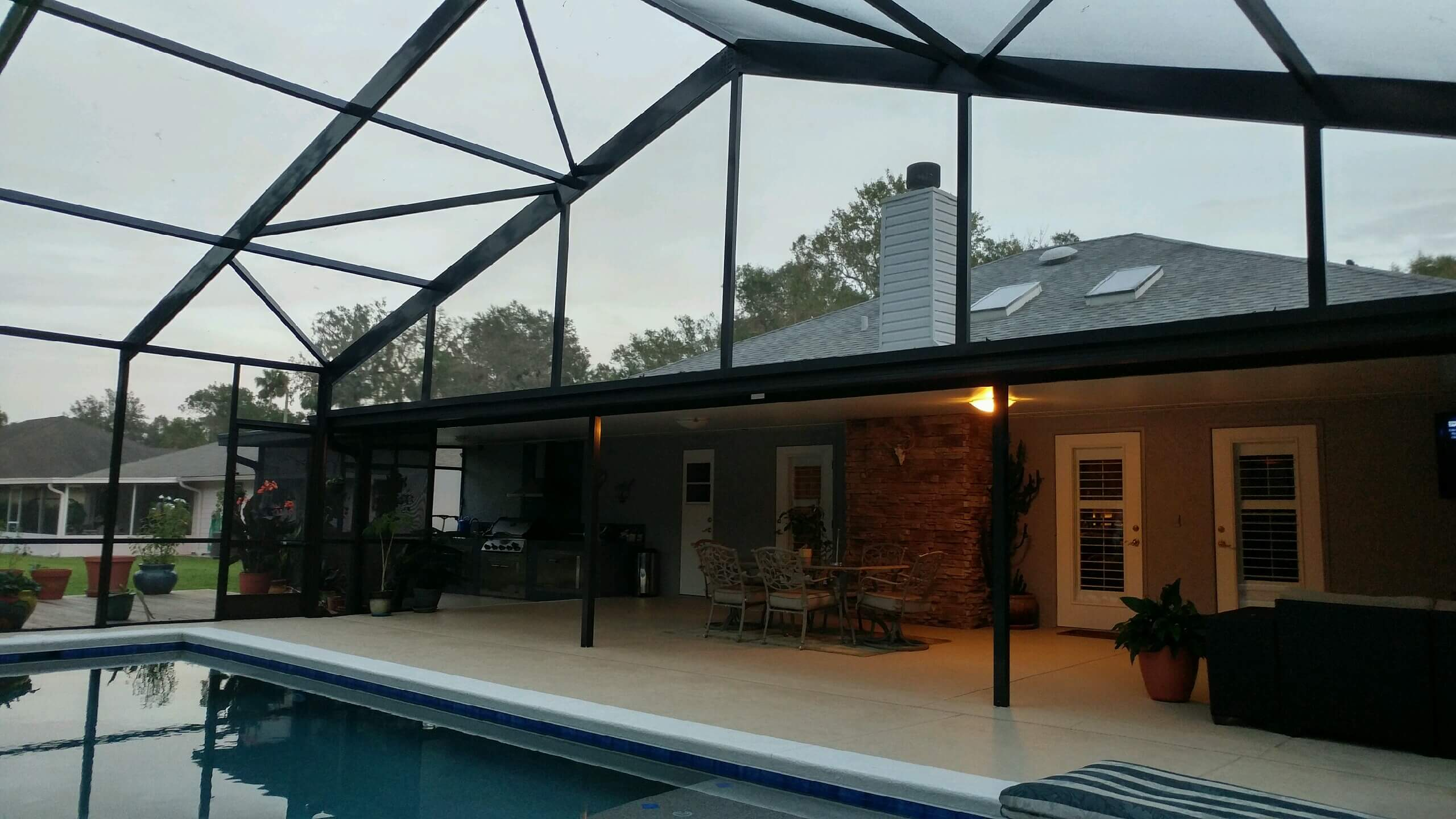 Hot New Trends For Patio Screen Enclosures