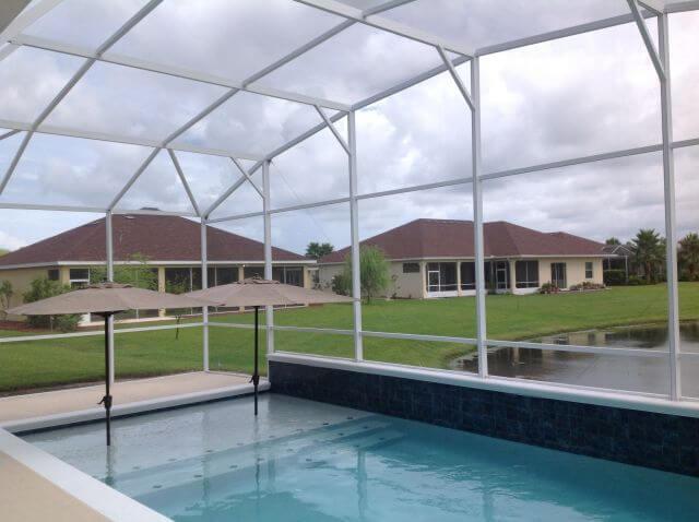 Design Options When Building a Pool Screen Enclosure